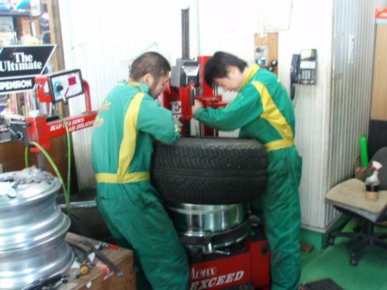 扁平タイヤ組み換え