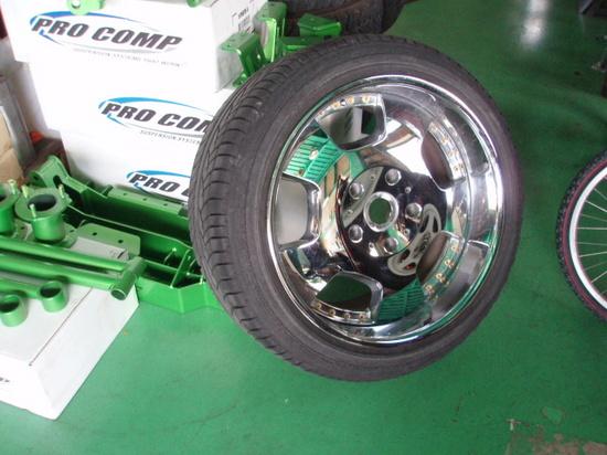 扁平タイヤ